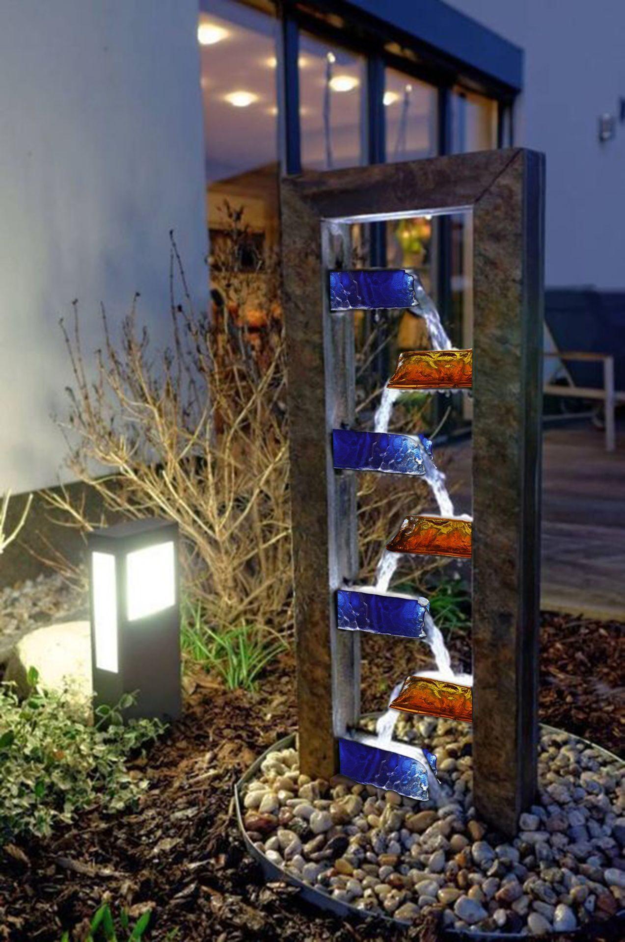 Уличные светильники на солнечных батареях для дачи и сада